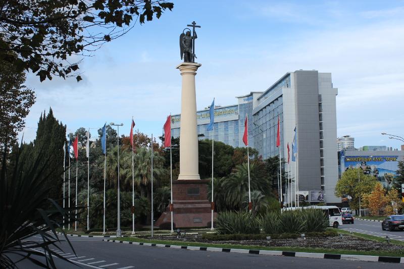 Памятник Архангелу Михаилу